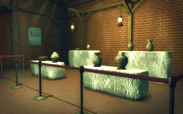 File:Stilwater Caverns - pottery display.jpg