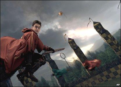 File:Hogwarts-Broomsticks.jpg