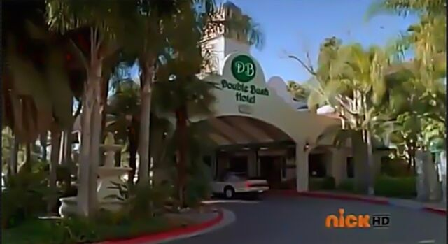 File:Double Bush Hotel.jpg