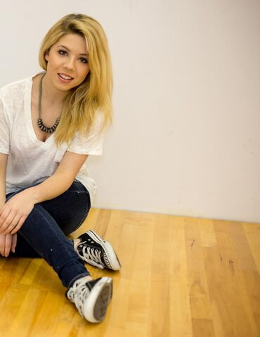 File:Jennette McCurdy cover shoot NKD Magazine 7.jpg