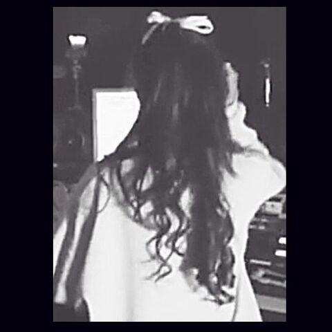 File:Ariana from behind May 21, 2013.jpg