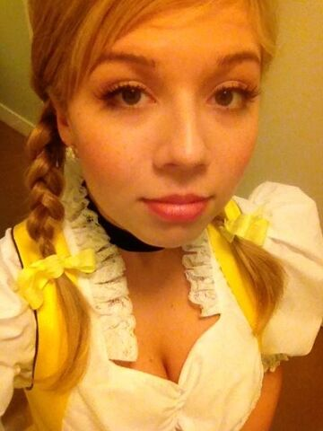File:Jennette with pigtails.jpg