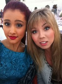 Ariana and Jennette together