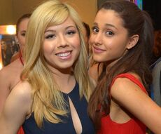 Ariana Grande and Jennette McCurdy at the Kids Choice Awards