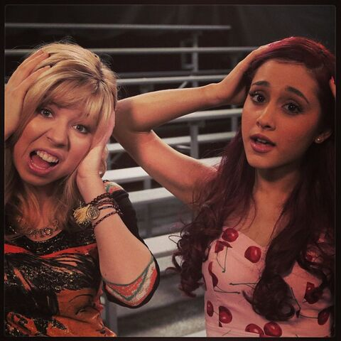 File:Sam and Cat photo number 2 on May 31, 2013.jpg