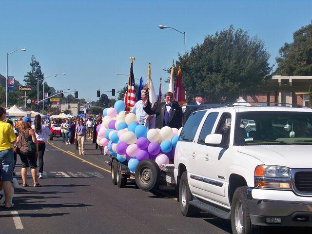 File:Parade11.JPG