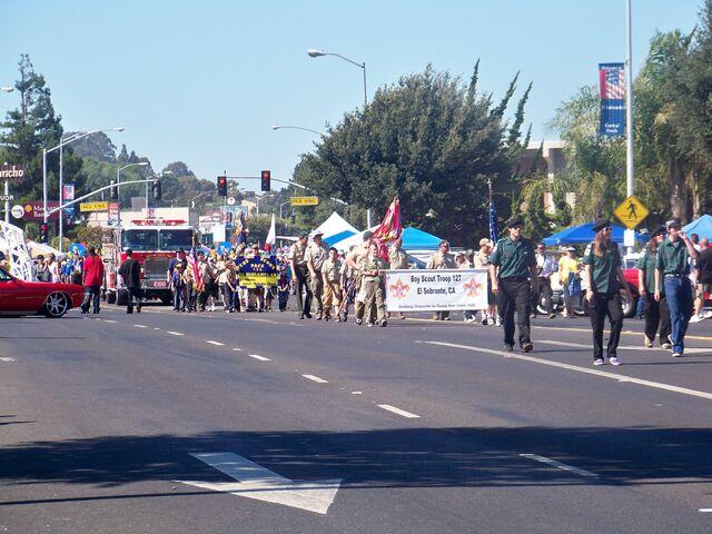 File:Parade2.jpg