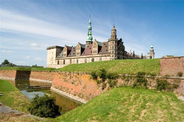 File:Denmark castle.jpg