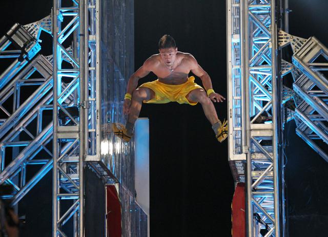 File:American-ninja-warrior-returning-for-new-season-with-new-hosts.jpg