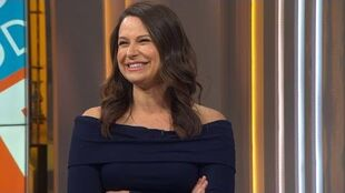 'Scandal's' Katie Lowes On Quinn's Love Triangle TeamCharlie Or TeamHuck?