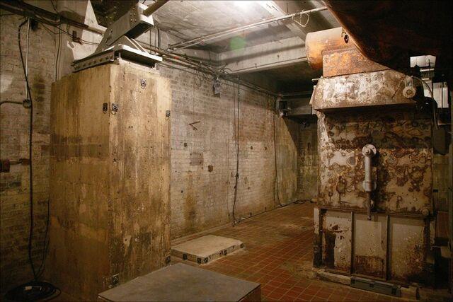 File:Rusted-metal-boiler.jpg