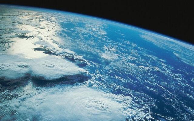 File:Earth's Atmosphere.jpg