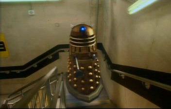 File:Dalek flys up stairs.jpg