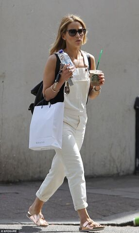 File:2A168D7600000578-3143550-Looking good Rachel Stevens was perfectly on trend when she wore-a-2 1435602073300.jpg