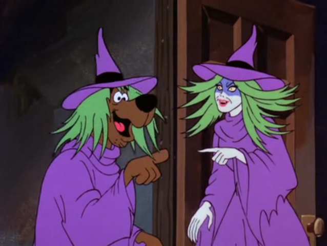 File:Scooby-Doo thinking that he's looking at himself in a mirror.png