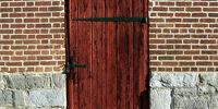 SCP-004 'The 12 Rusty Keys and The Door'