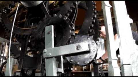 Sint-Romboutstoren met de hand opwinden van het uurwerk