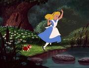 Alice-in-wonderland-disneyscreencaps.com-425