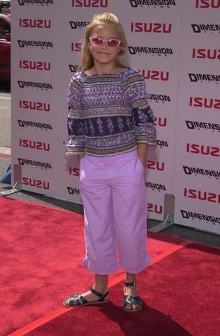File:Emily Jordan Osment (July 28, 2002).png