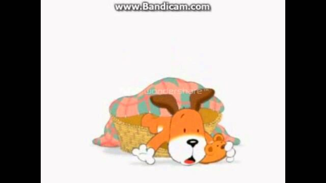 File:Kipper falling out of his bed.jpg