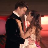 Rs 300x300-131031090846-600.--ariana-grande-patrick-schwarzenegger-right-there