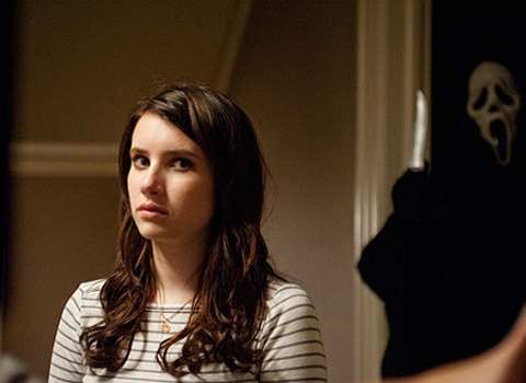 File:Emma Roberts Scream 4 Ghostface.jpg