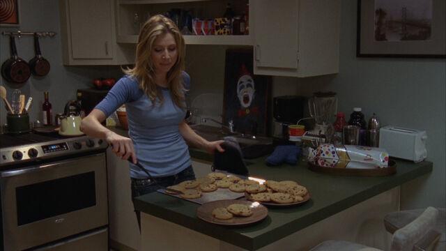 File:8x6 Elliot bakes cookies.jpg