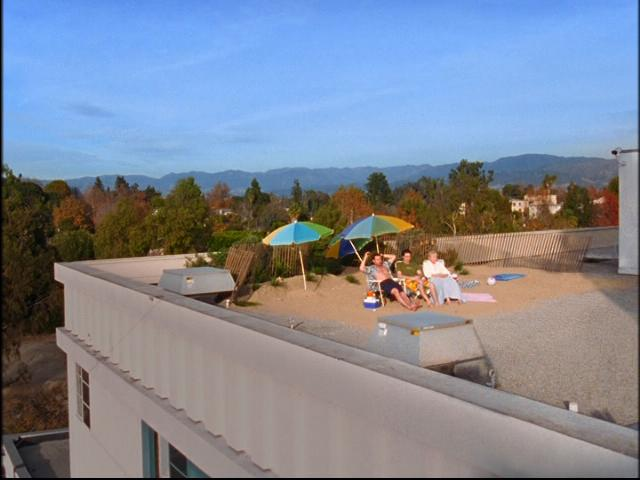 File:5x13 rooftop beach.jpg