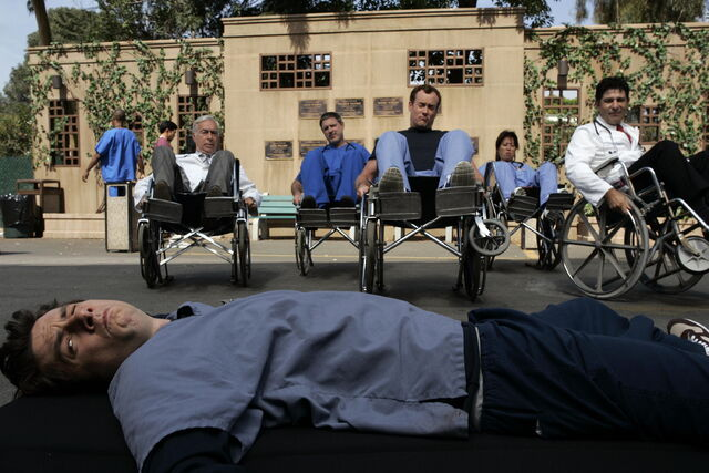 File:5x4 Wheelchair Balancing.jpg