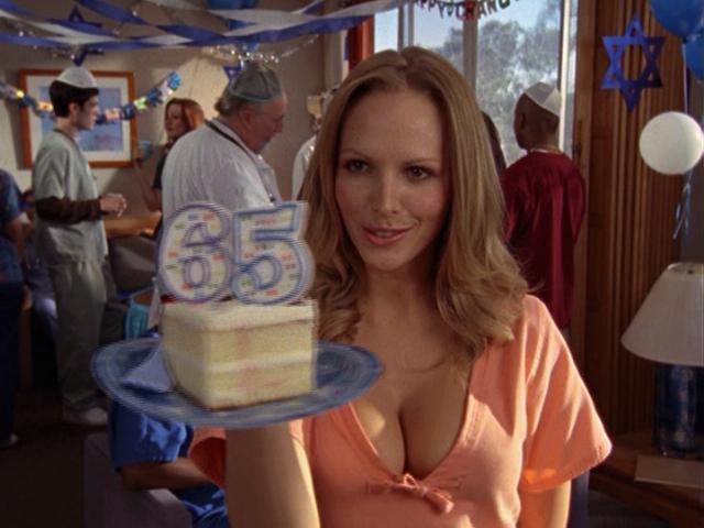 File:7x5 Birthday Cake.jpg