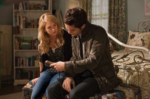 File:The Secret Circle Season 1 Episode 4 Heather 3-4604-590-700-80 595.jpg