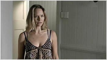 File:Australian Series-1x06-4.jpg