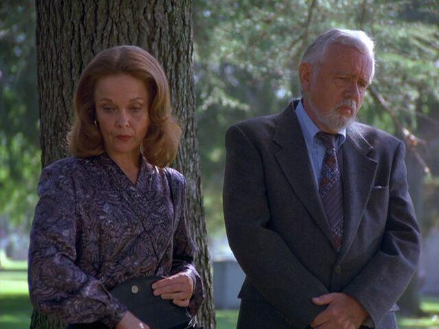 File:Mr and mrs ross.jpg