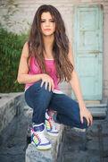 Selena-gomez-neo-ftr