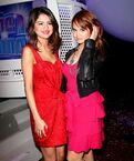 Selena-Gomez-and-Debby-Ryan-852x1024