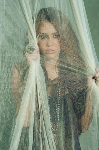 File:Miley-cyrus 0098.jpg