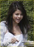Selena-gomez-snap-picture-05
