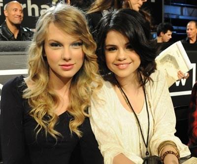File:Selenafriend.jpg