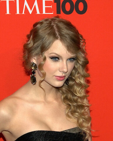 File:Taylor Swift by David Shankbone 2010.jpg