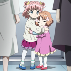 Maria and Serena as children
