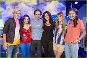 Zella-with-DebbyRyan-RossLynch-LauraMarano-(2)