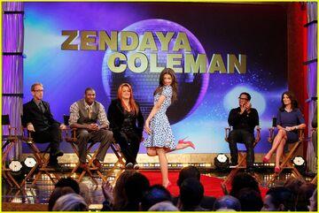 Zendaya-coleman-sign
