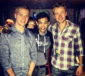 Roshon-fegan-with-two-blonde-men