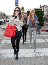 Bella-thorne-out-with-apal-(2)
