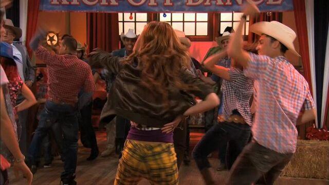 File:Shake It Up, Up & Away 63.jpg
