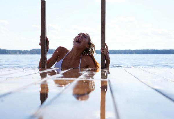 File:Christine-Quinn-in-Shark-Night-3D-2011-Movie-Image-3.jpg