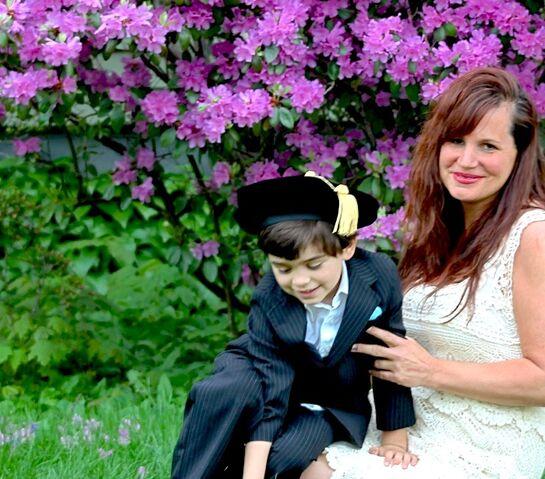 File:Mom and jo post grad.jpg