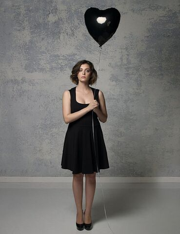 File:Crazy Ex-Girlfriend promotional photo 2.jpeg