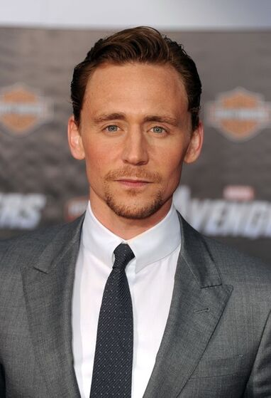 The-Avengers-LA-Premiere-tom-hiddleston-30471188-406-594