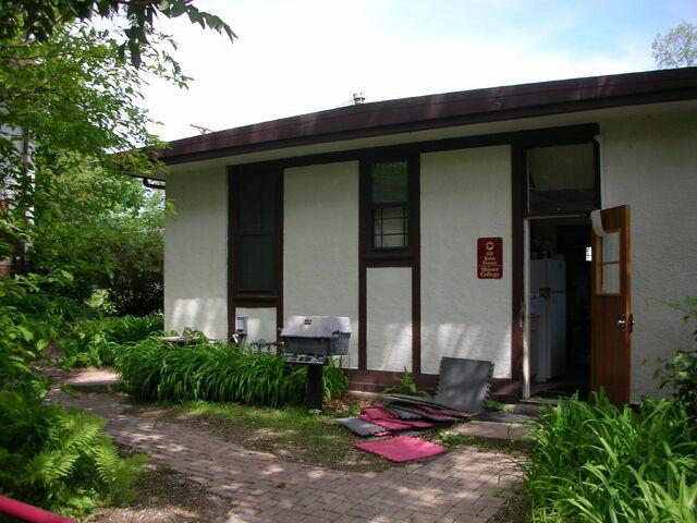 File:Waukegan KoKo house exterior back door.jpg
